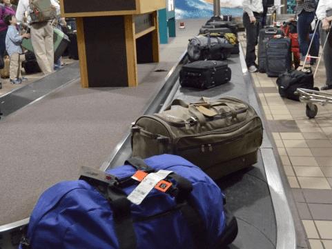【もしもの祝辞】パスポートさんとスーツケースさん